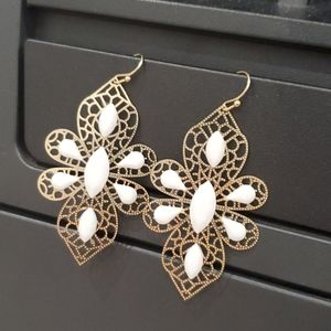 Jewelry - 🌷3 for $20🌷 Fashion earrings